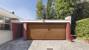 Foto di Porte per Garage in legno